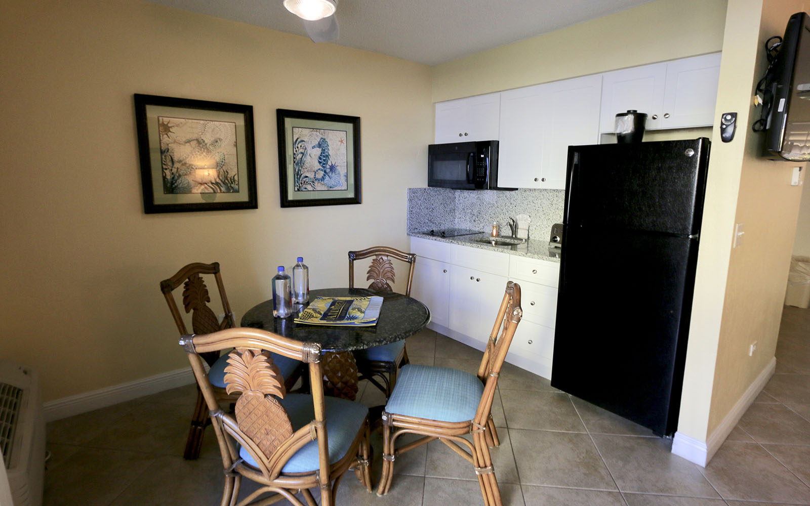Beachfront Hotel Rooms with Kitchenette In Fort Myers Beach