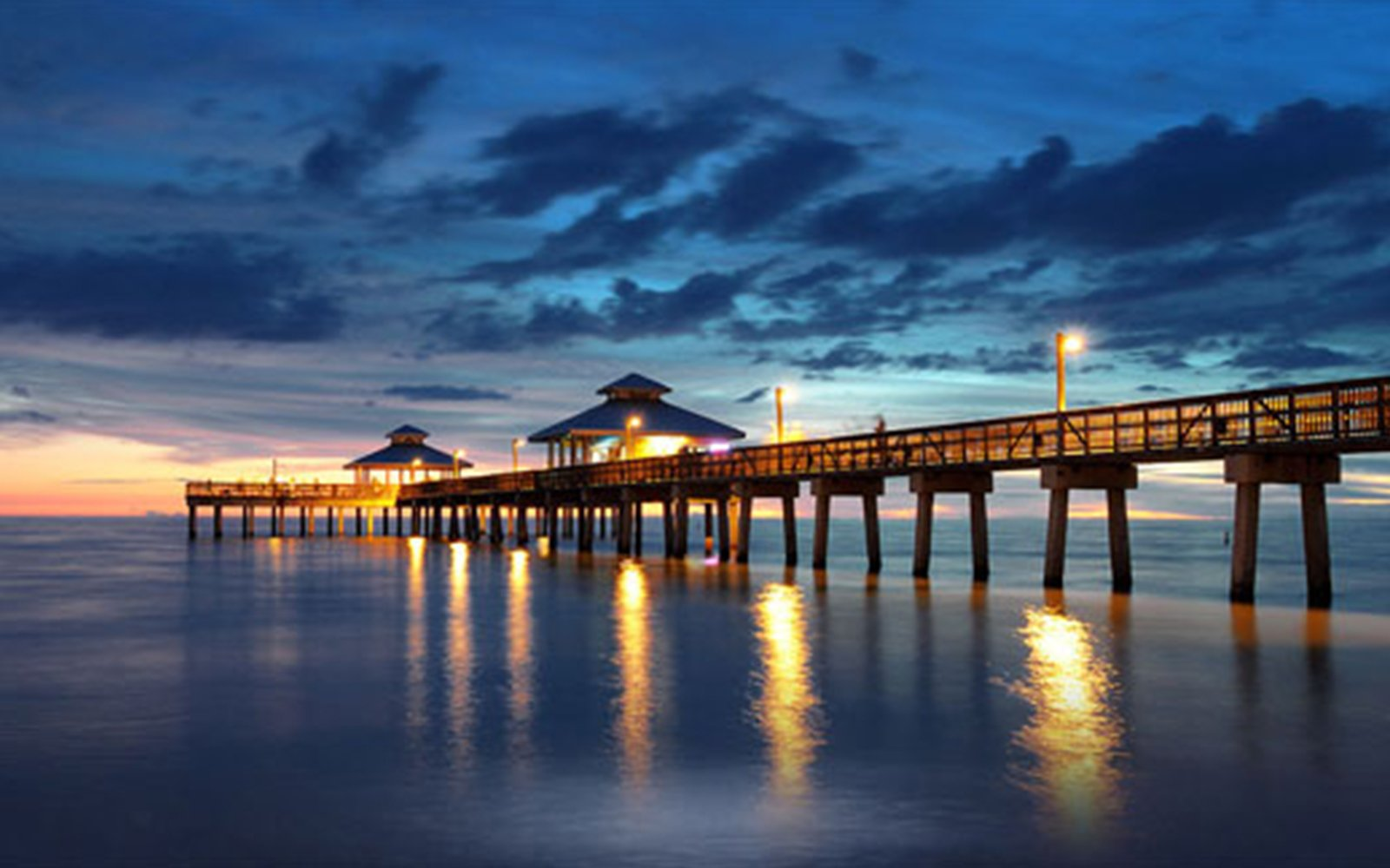 Attractions & Adventures Near Fort Myers Beach Florida
